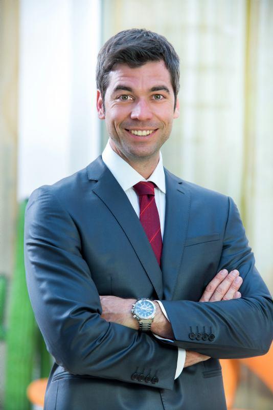<b>Domagoj Perković</b>