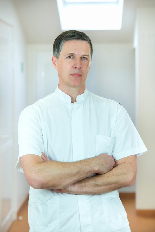 <b>Damir Štifanić</b>